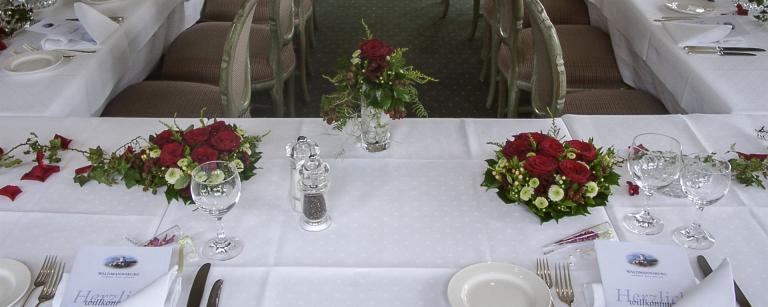 Tischdekoration mit Herzen 35